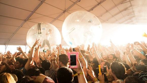 coachella music festival 100650758 large 580x330 - How venues are using technology to reinvent event marketing