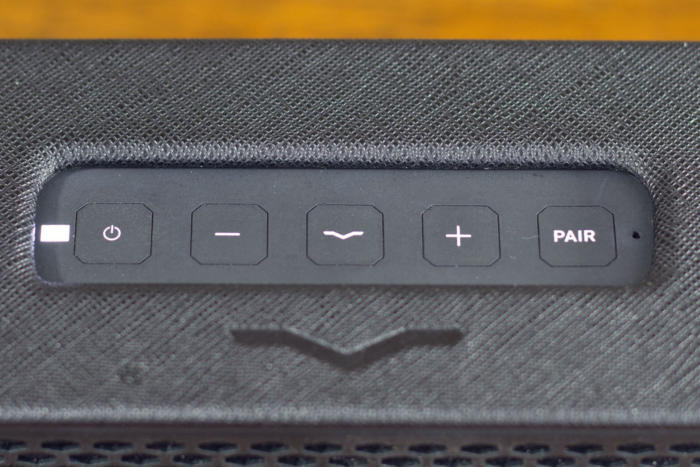 v moda remix buttons