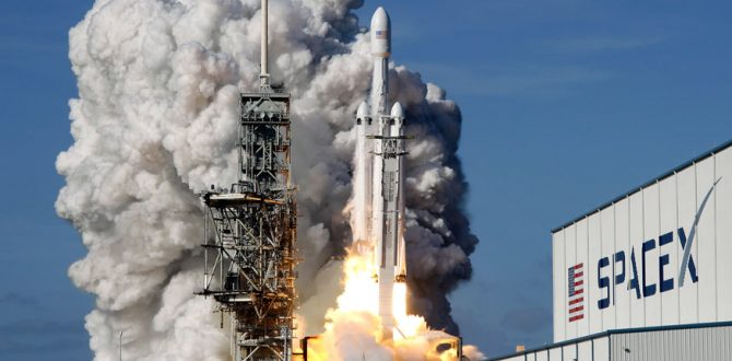 Falcon 9 SpaceX heavy rocket lifts off 670x330 - SpaceX's Global Internet Access Goal to Begin With 'Starlink' Demo Satellite Launch