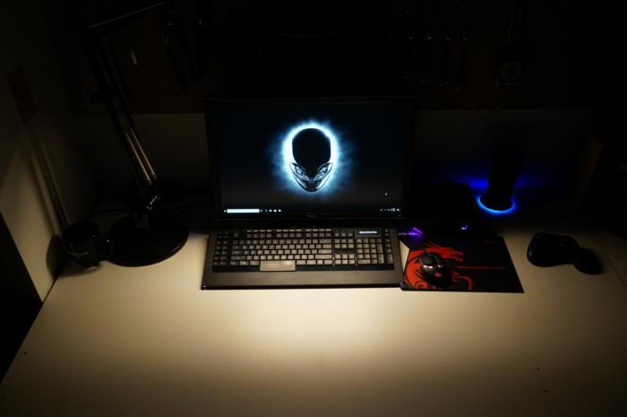 screenbar lighting